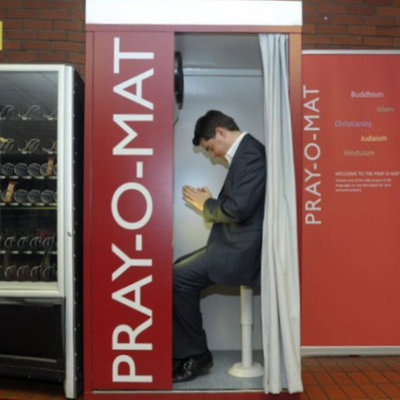 STAND supports German Airport PrayerBooth