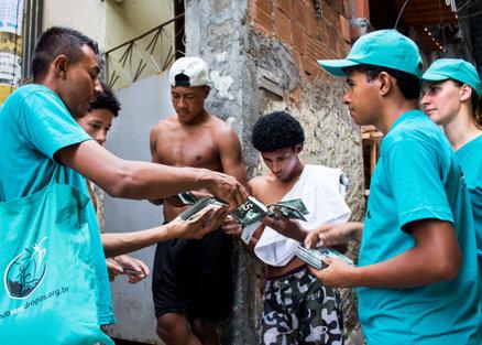 Distribution av häften i Rio de Janeiro