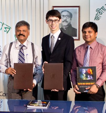 Ruslan Khusainov formalizes a collaboration between Bangladesh's National Human Rights Commission and Youth for Human Rights International